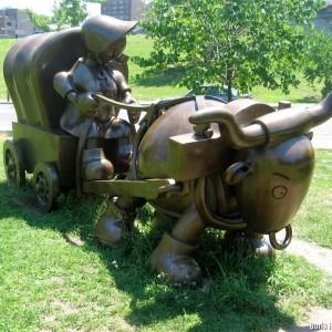 Скульптура Тома Оттернесса «Large Covered Wagon»