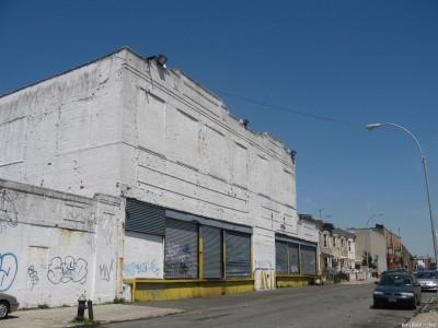 Здание корпорации Рубела на Бэй 19-й улице в Бруклине