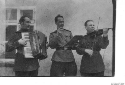 . Сольный номер – справа налево Л.Рубин, Б.Морской, Л. Злочевский