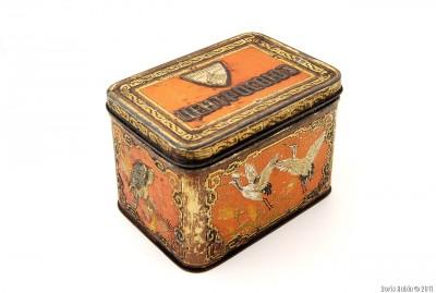 Коробка с танцующими журавлями