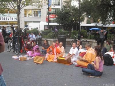 Кришнаиты на Юнион Сквер,