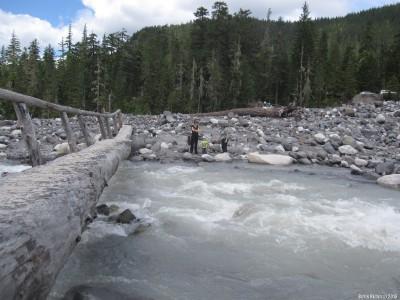 Мост через горную речку