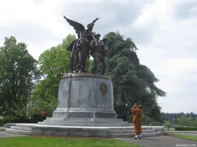 Памятник  в Олимпии, посвященный американским солдатам, погибшим в годы Первой мирвой войны