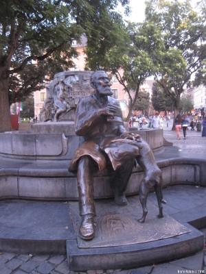 Памятник Шарлю Булсу
