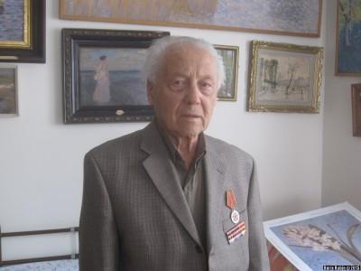 Исаак Вайншельбойм с новой медалью