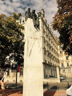 Памятник Антуану де Сент-Экзюпери