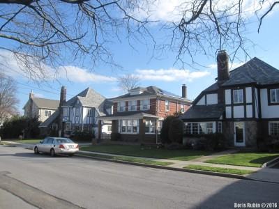 Дома на Hewlett Avenue