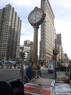 Уличные часы на Пятой авеню