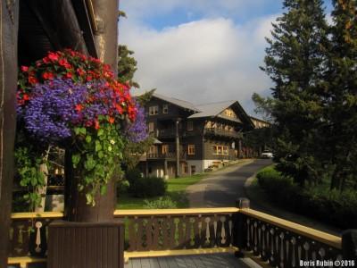 Glacier Park Lodge снаружи