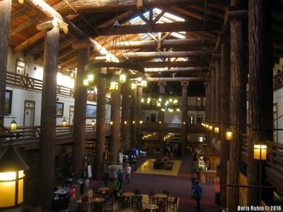 Glacier Park Lodge внутри
