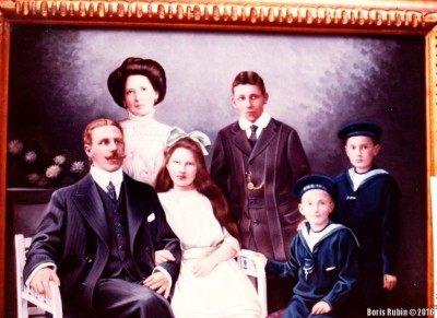 Семья деда Марии Эмилио Берлиоза Салиньяка