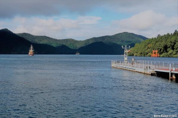 На озере Аси