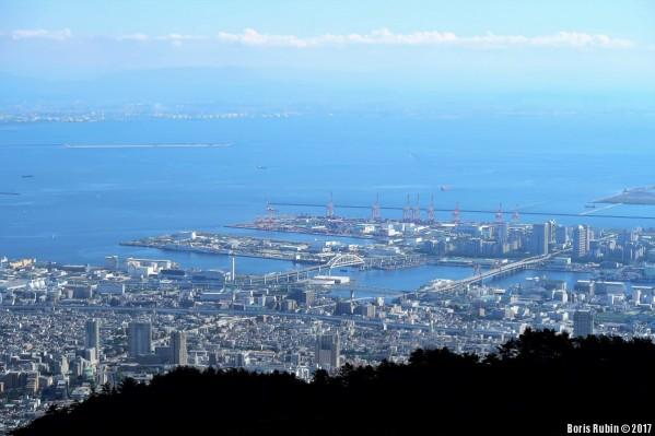 Вид на Кобе с насыпными островами