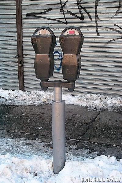 Два электронных паркомата на одном стояке