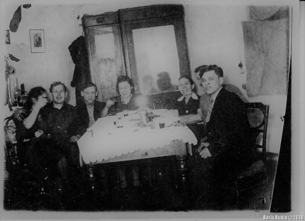 Вечеринка в Харькове. Январь 1945 года.