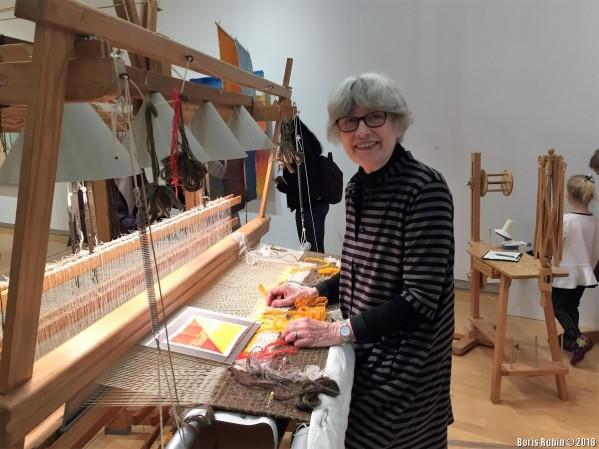 Хелена Хёрнмарк за ткацким станком