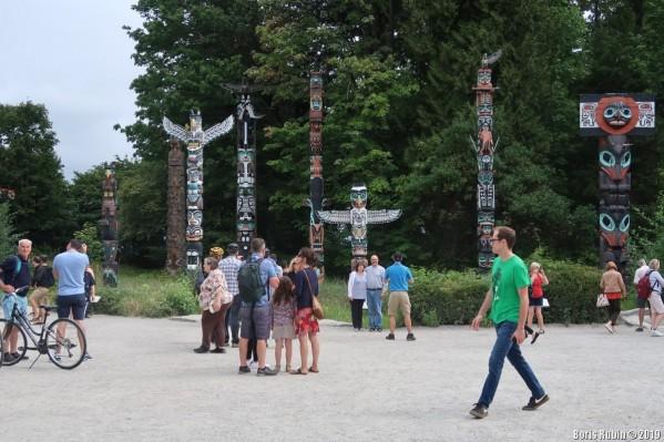 Тотемные столбы в Stanley Park.