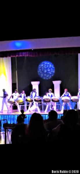 Концерт музыкантов, игравших на стил-пэнах