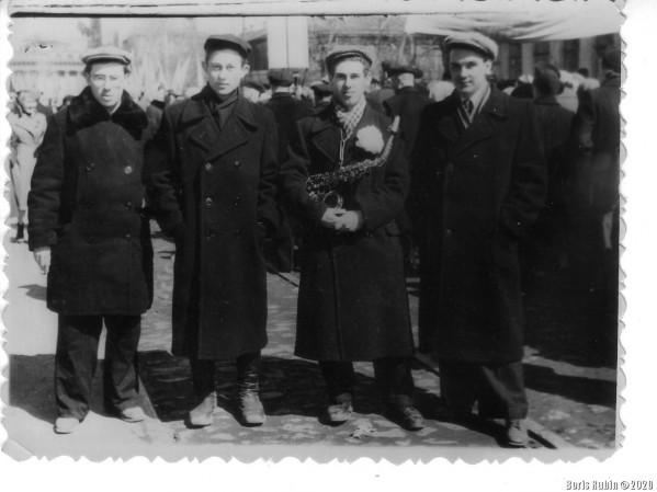 На первомайской демонстрации 1958 года